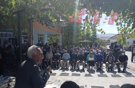 Doğu Perinçek: Halıya basanlar değil, toprağa basanlar hükümet olacak